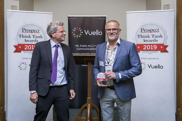 Geir Hønneland receives the 2019 award statuette from Prospect Magazine's editor Tom Clarke. Photo: Prospect Magazine