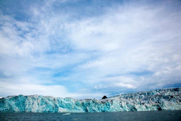 Isbre Lilliehöökbreen helt nordvest på Svalbard. Foto: Yngve Vogt/UiO