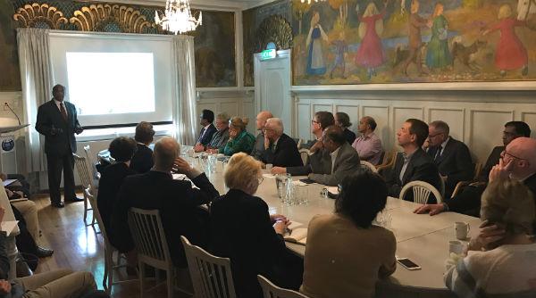 Lunch seminar at FNI with keynote speaker Ajay Mathur. Photo: Karoline Flåm