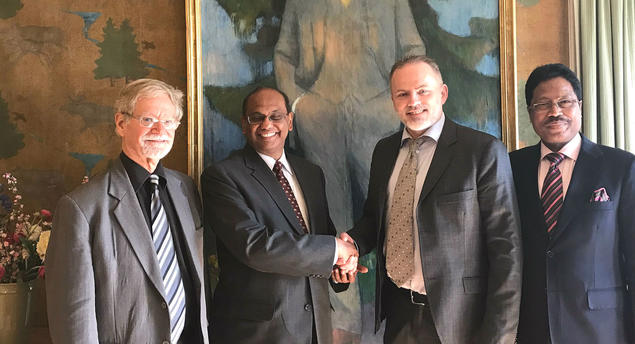 From left: Associate Fellow Arne Walther, TERI Director Ajay Mathur, FNI Director Geir Hønneland and India's ambassador to Norway, Mr. Debraj Pradhan. Photo: Karoline Flåm