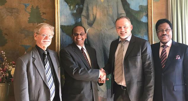 From left: Associate Fellow Arne Walther, TERI Director Ajay Mathur, FNI Director Geir Hønneland and India's ambassador to Norway, Mr. Debraj Pradhan. Photo: Karoline Flåm